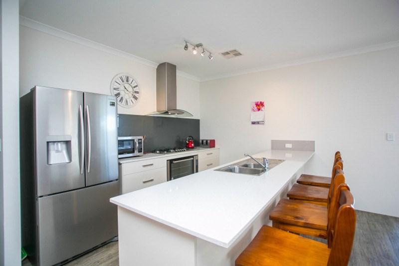 39 Letterkenny Road, Bullsbrook WA 6084 - House for Sale