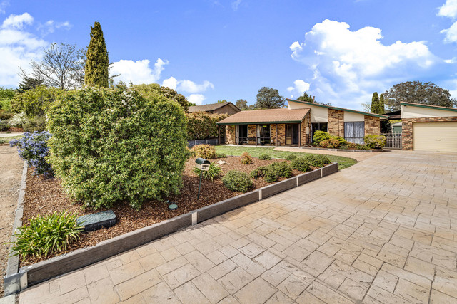 4 Crommelin Place, ACT 2905
