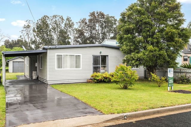 62 Golf Links Drive, NSW 2536