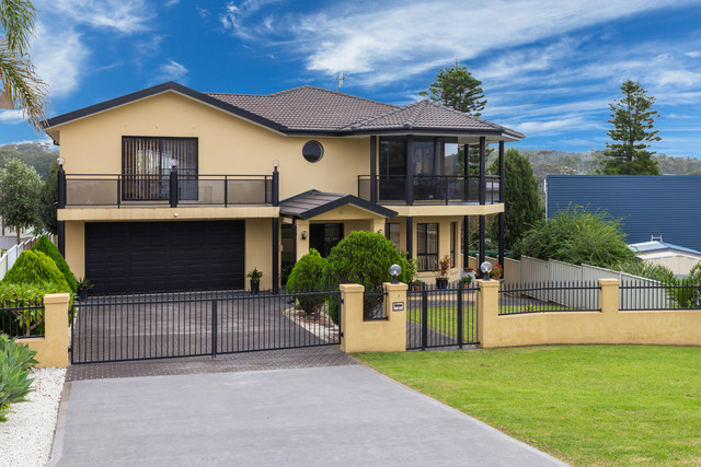 43 Karoo Crescent, Malua Bay NSW 2536