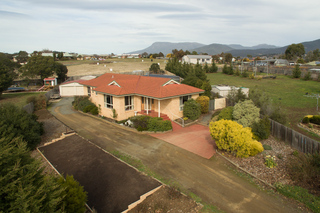 6 Stanfield Drive