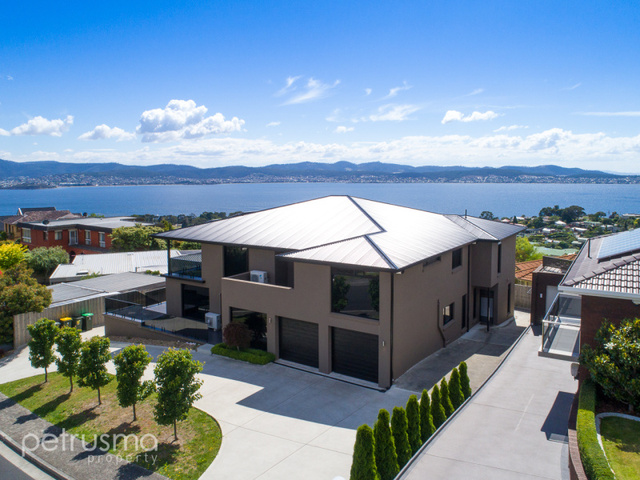 70 Lipscombe Avenue, Sandy Bay TAS 7005