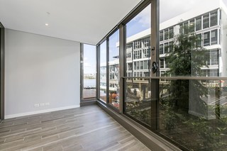414/3 Foreshore Place