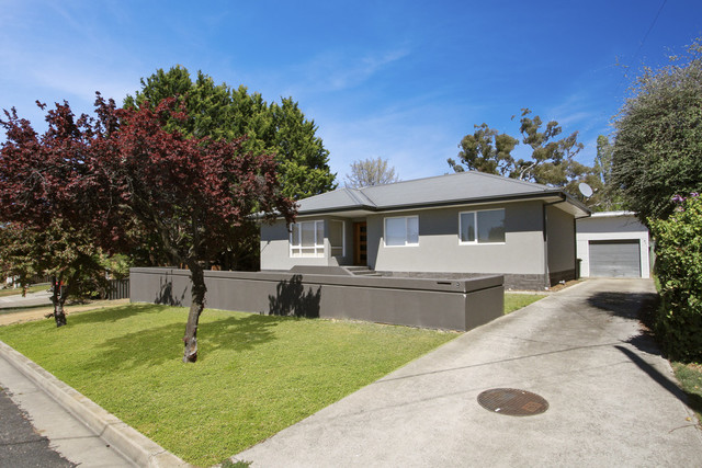 9 Arthur Ave, Cooma NSW 2630