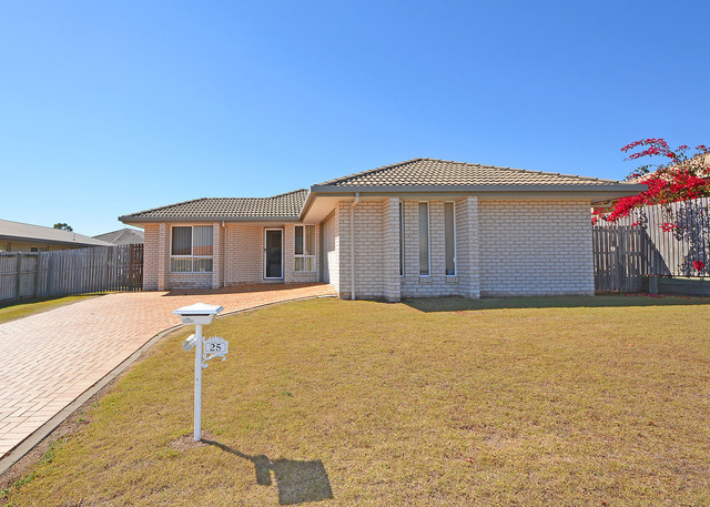 25 Picadilly Circuit, QLD 4655