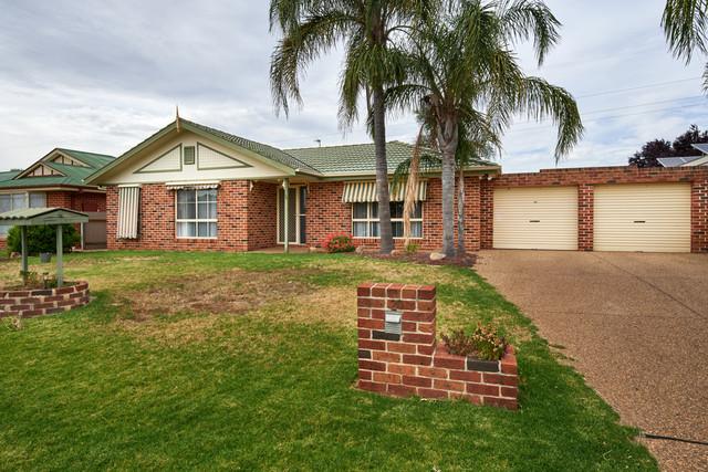 20 Kaldari Crescent, Glenfield Park NSW 2650