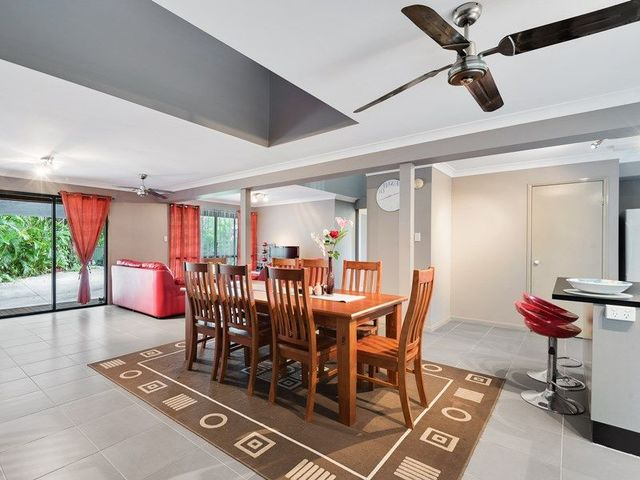 208 Bennetts Road, Norman Park QLD 4170