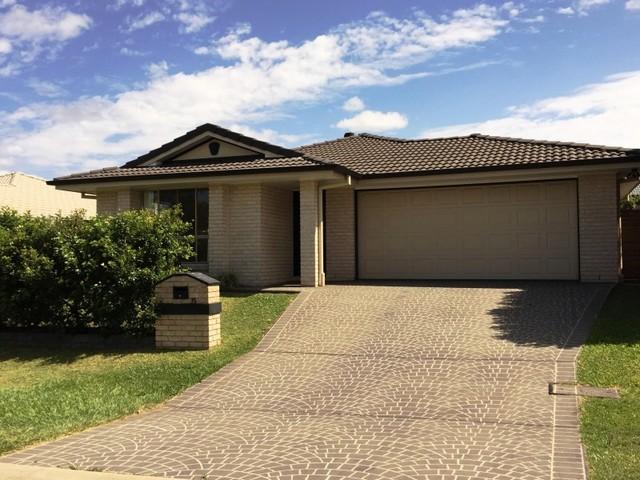 15 Olsen Crescent, Wakerley QLD 4154