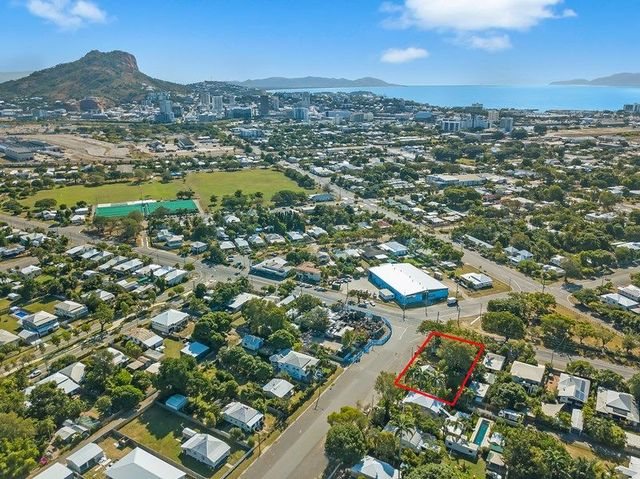 270 Boundary Street, South Townsville QLD 4810