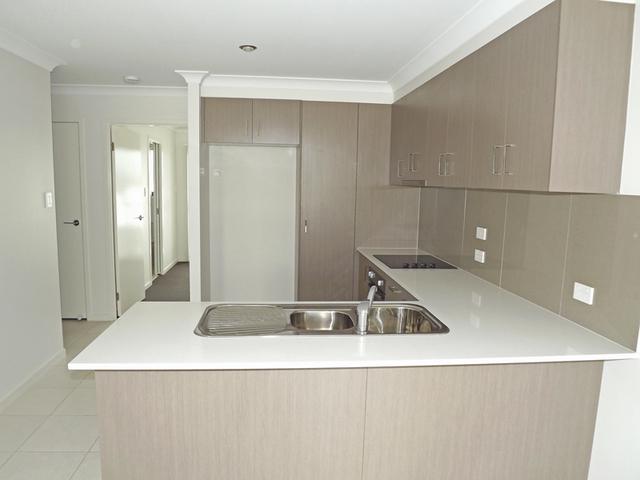 2/2 Tayla Street, Pimpama QLD 4209