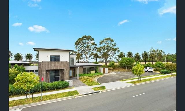 16 Rowe Drive, Potts Hill NSW 2143