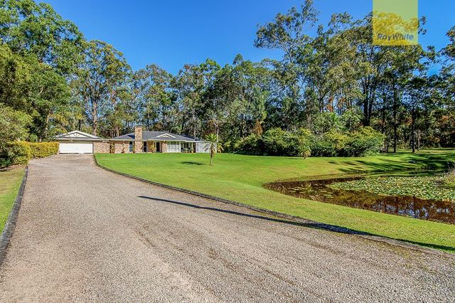 1-23 Lakeside Drive, Carbrook QLD 4130