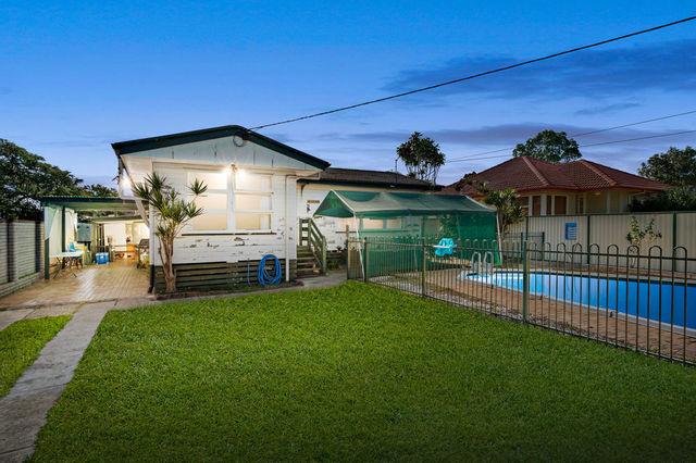 74 Steven Street, Redcliffe QLD 4020