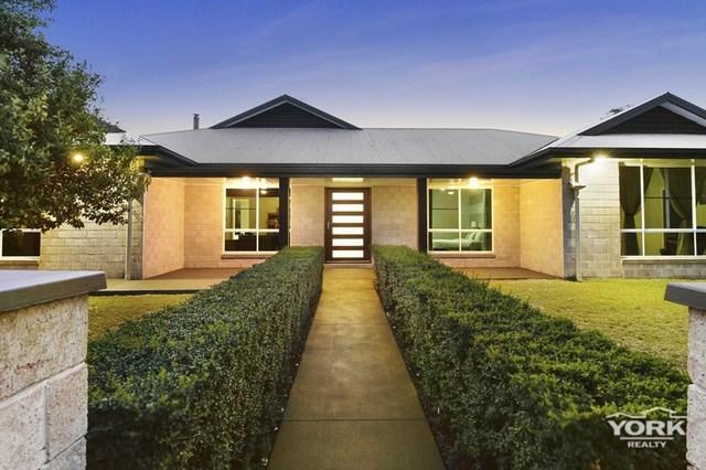 11 Lancaster Court, QLD 4350