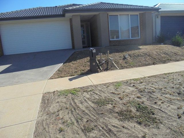 22 Marble Drive, Melton South VIC 3338