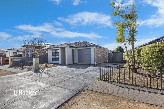 6 Lonsdale Crescent, Andrews Farm SA 5114
