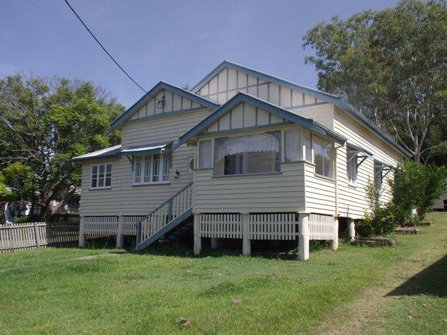 25 Barnes Street, Goomeri QLD 4601