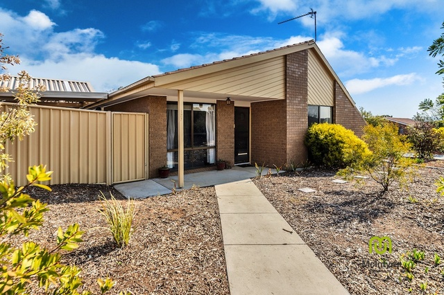 127 Louisa Lawson Crescent, Gilmore ACT 2905