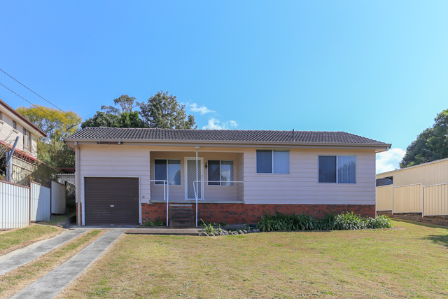 24 Hancock Avenue, Dungog NSW 2420