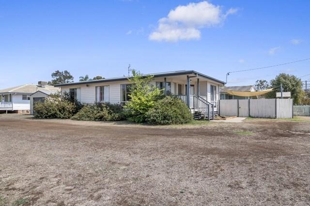6 Milligan Street, Oakey QLD 4401