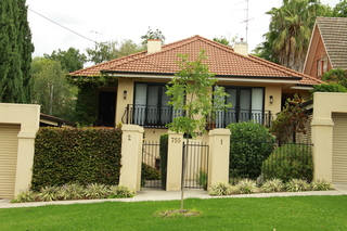 2/755 Forrest Hill Avenue