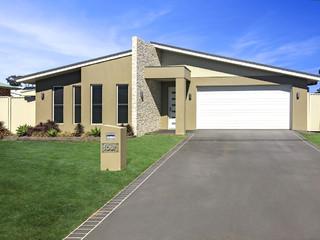 4 Lawton Place Miles QLD 4415