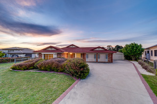 12 Oxley Crexcent