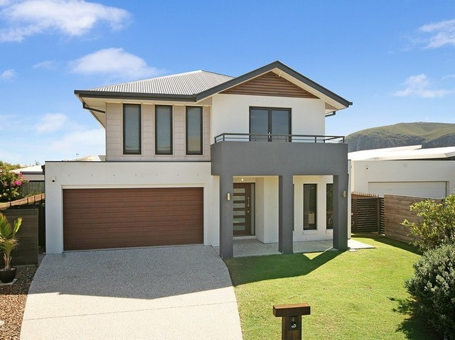 4 Surfside Lane, Mount Coolum QLD 4573
