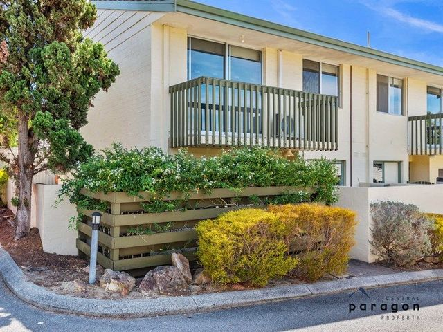 1/98 Moulden Avenue, WA 6060