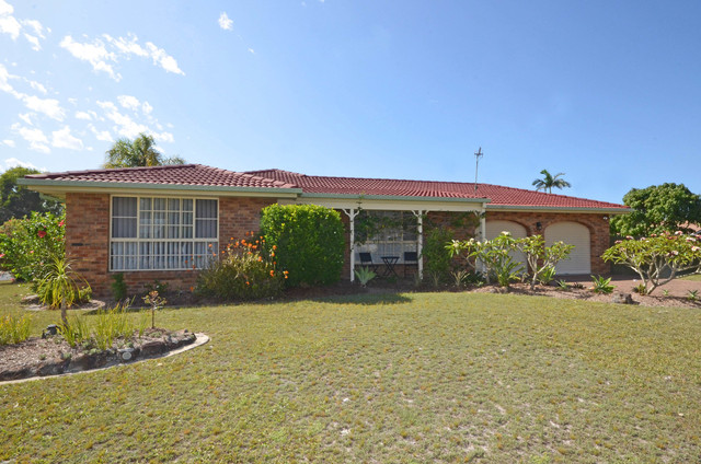 32 Murson Crescent, North Haven NSW 2443