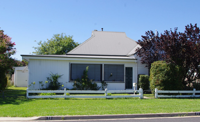 77 Oswald Street, Inverell NSW 2360