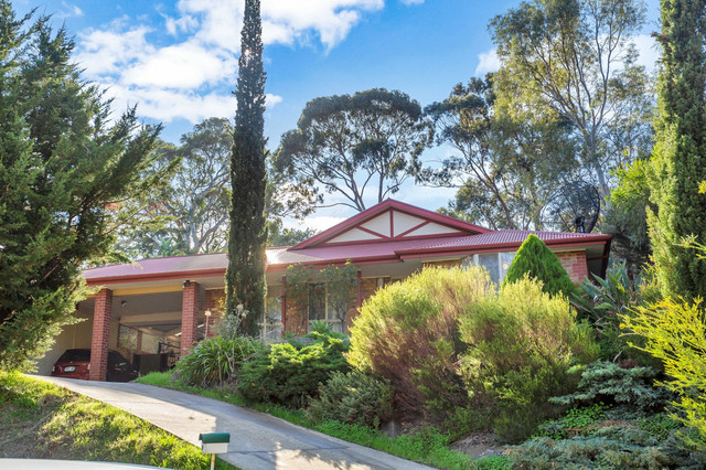 8 The Oaks Parade, Aberfoyle Park SA 5159