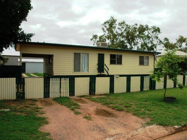 114 Falcon Street, Longreach QLD 4730