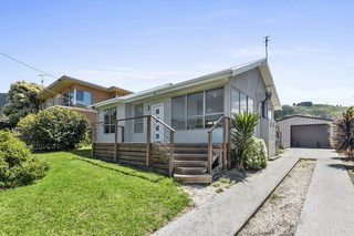 8 Marriners Lookout Road