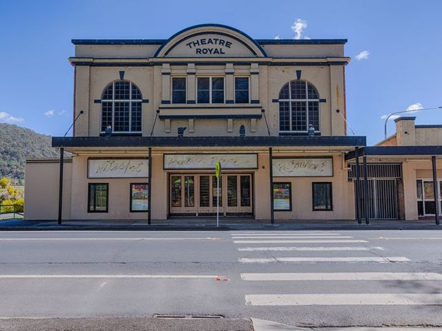 208-216 Main Street, Lithgow NSW 2790
