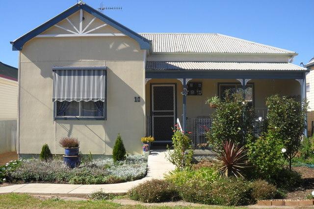 10 Short Street, Harden NSW 2587