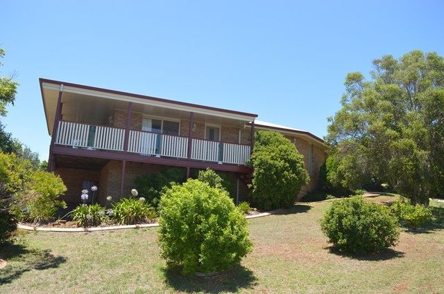 2 Brock Court, Darling Heights QLD 4350