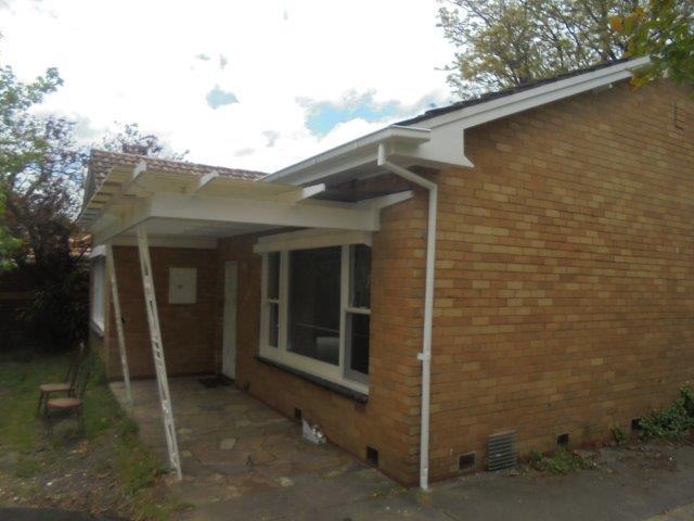 10 Lysbeth Street, Mckinnon VIC 3204