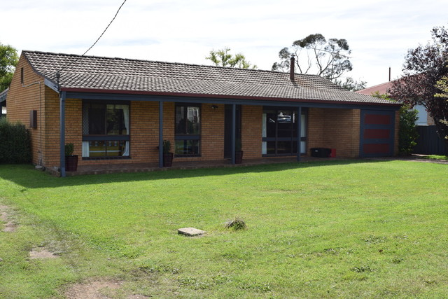 7 O'Donnell Ave, Guyra NSW 2365