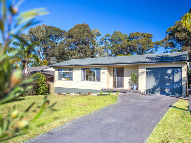 25 Garside Road, Mollymook Beach NSW 2539