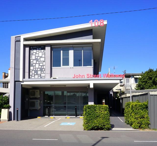 3/108 John Street, Singleton NSW 2330