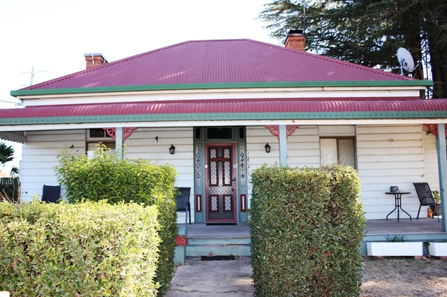9 Tingha Road, Inverell NSW 2360