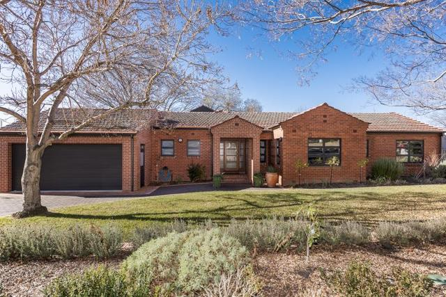75 Captain Cook Crescent, Griffith ACT 2603