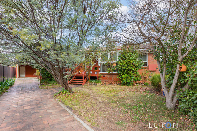 6 Bray Place, Curtin ACT 2605