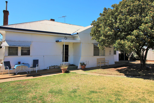 132 Kookora Street, Griffith NSW 2680