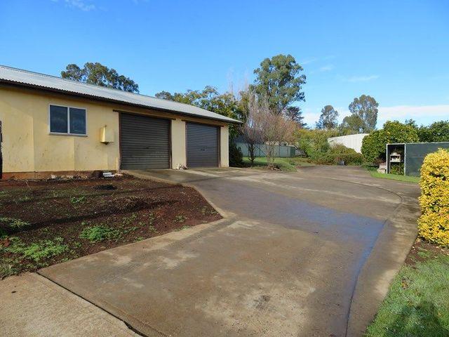37 Luke Street, Gundagai NSW 2722