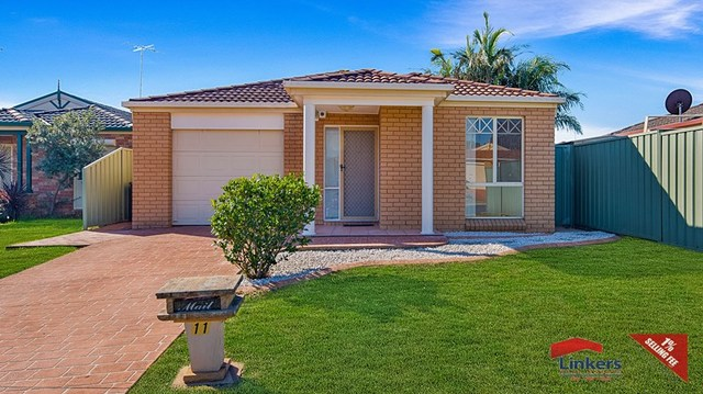 11 Erin Place, Casula NSW 2170