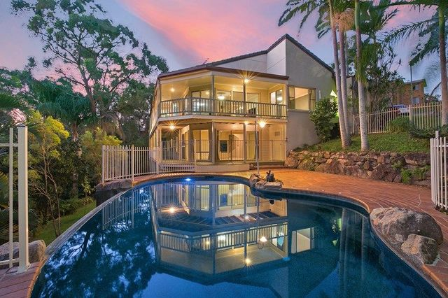 4 Flinders View, Springwood QLD 4127