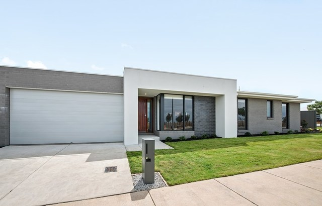 22 Marshall Road, Lucas VIC 3350