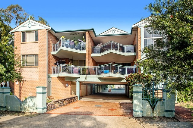1/64 Fullagar Road, Wentworthville NSW 2145